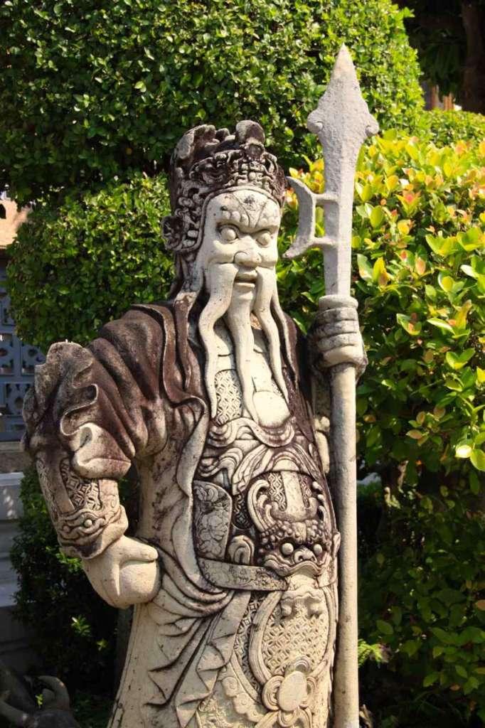 Estatua. Gran Palacio Real Bangkok. 10 curiosidades sobre Bangkok.