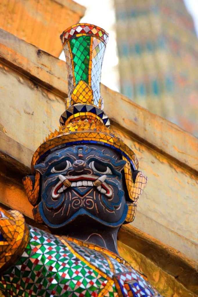 Demonio Gran Palacio Real Bangkok. 10 curiosidades sobre Bangkok.