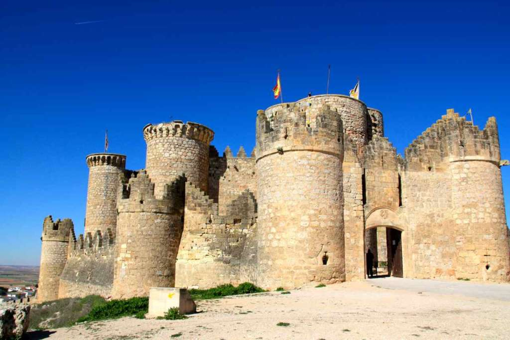 El imponente Castillo de Belmonte
