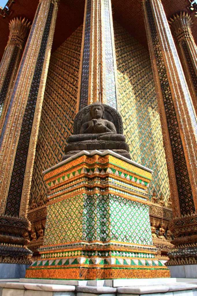 Buda en el Gran Palacio Real de Bangkok.