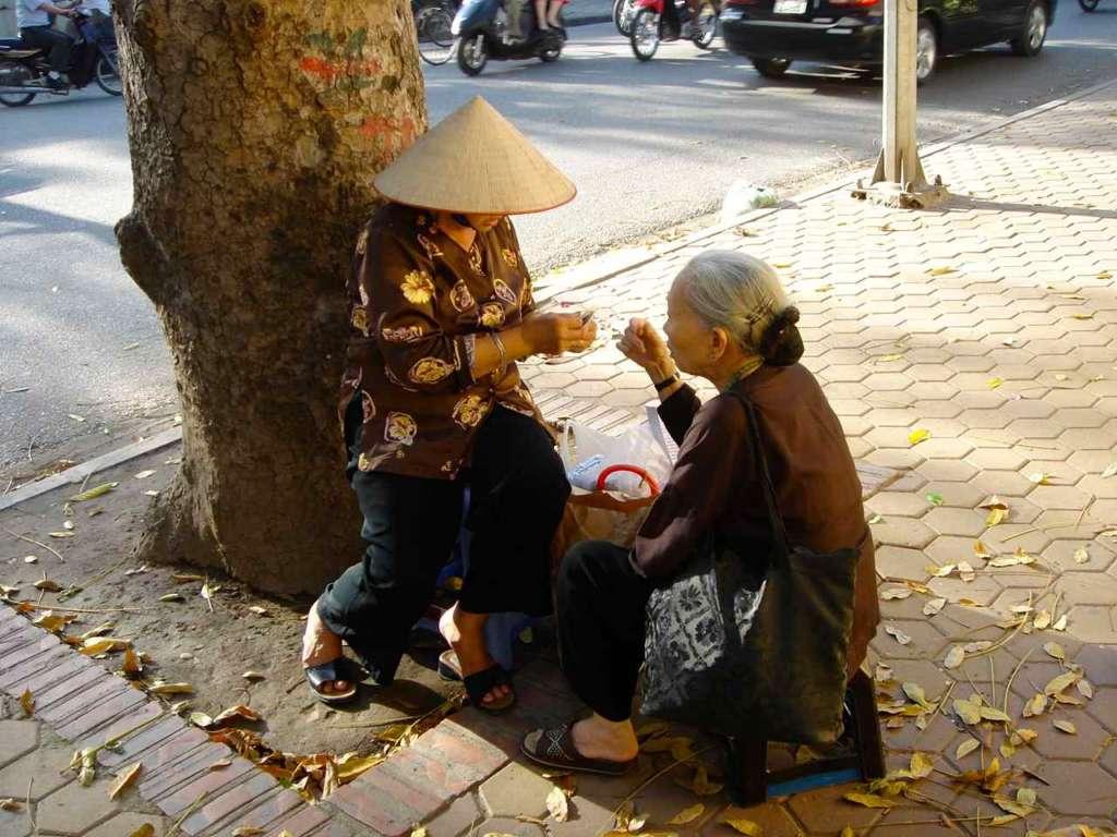 Vietnamita y anciana vietnamita. 10 curiosidades sobre Vietnam.