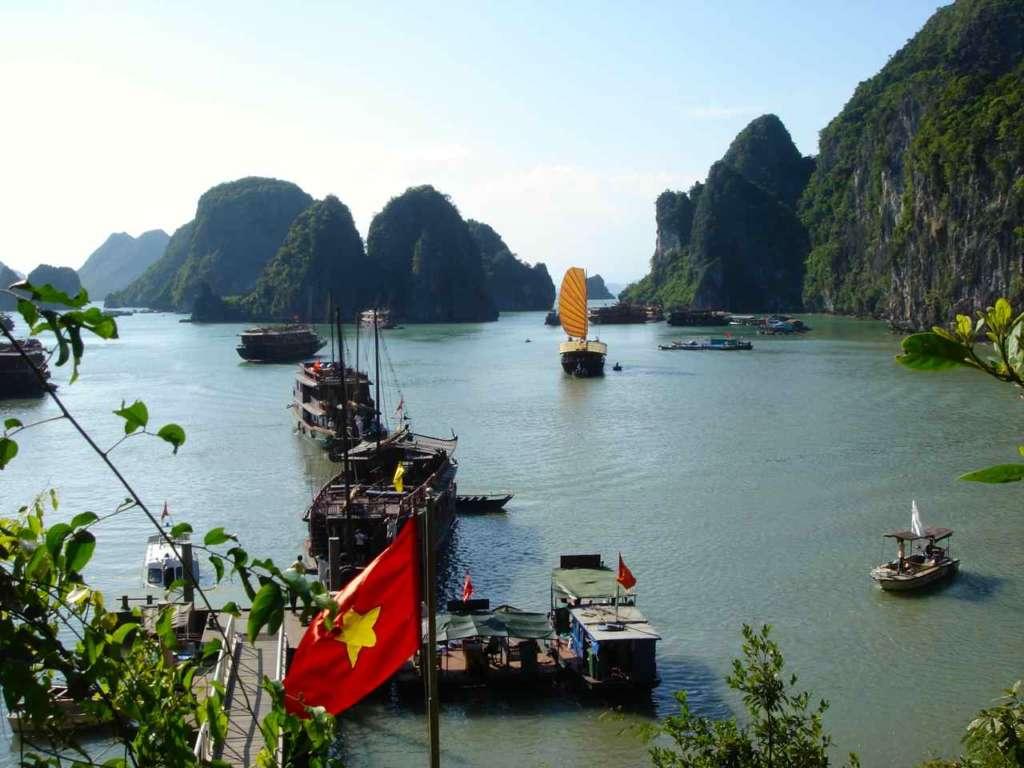 Bahía de Halong. 10 curiosidades sobre Vietnam.