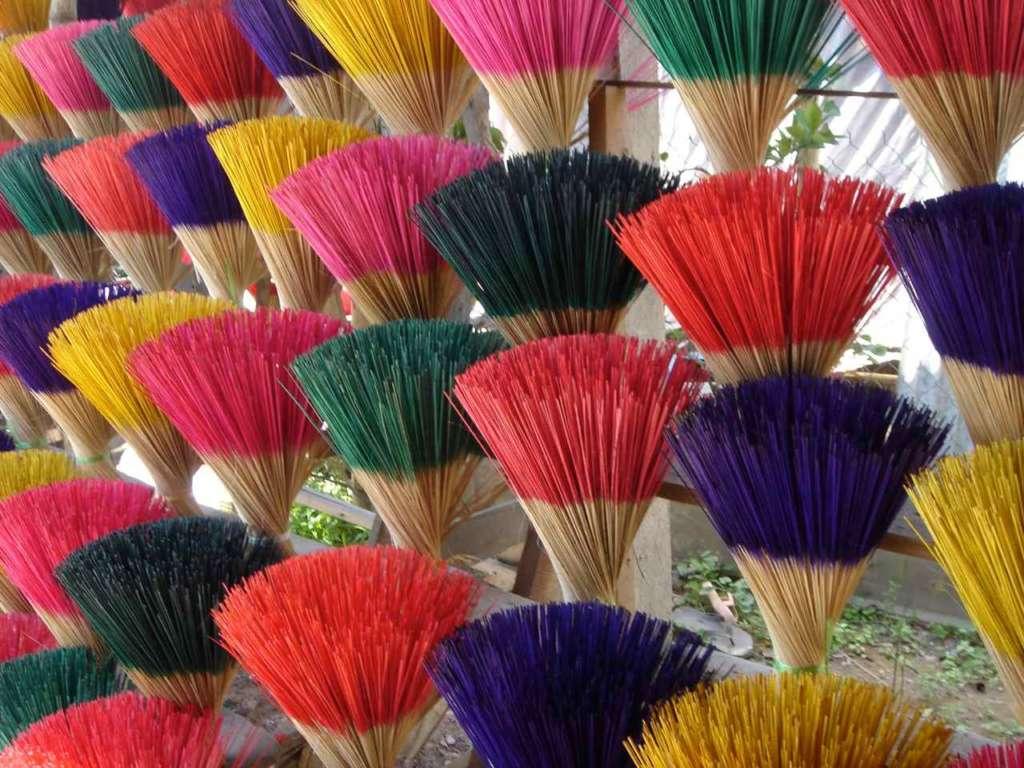 Incienso de colores. 10 curiosidades sobre Vietnam