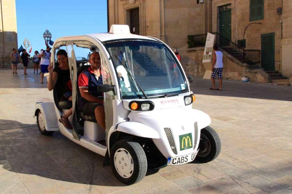 Justin, los Smart Cabs y La Valletta